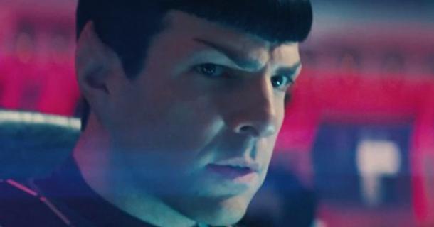 2013 Além-da-Escuridão-Star-Trek