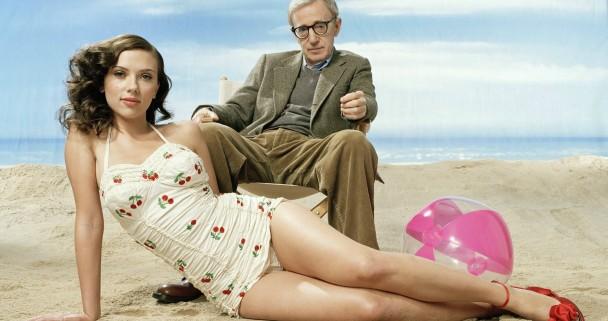 """Woody Allen e um de suas """"musas"""", Scarlett Johansson, com quem fez 3 filmes."""