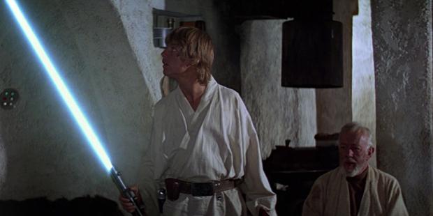 Star Wars IV - Luke Liga o Sabre de Luz